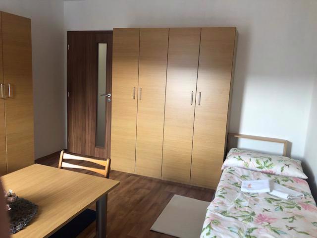 pronájem nově vybudovaného podkrovního bytu 4 KK.