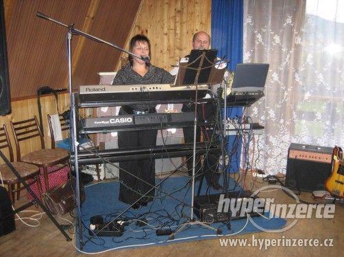 Živá smíšená hudba - kapela 1+1 Vsetínsko, Zlínsko - foto 3