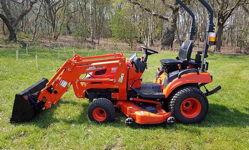 Kioti Tractor CS 2510 HST + Traktorová sekačka