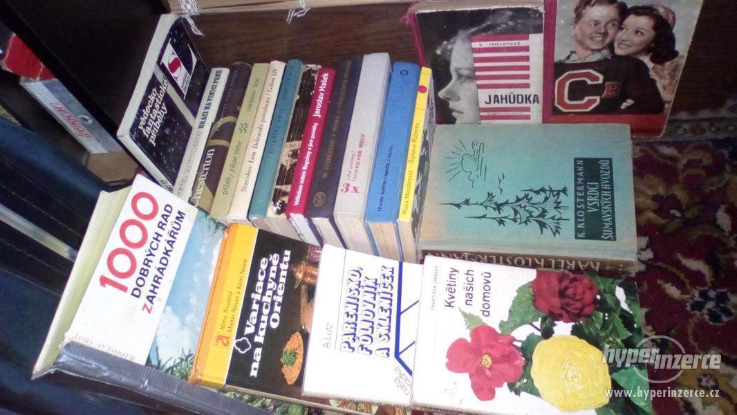 Spoustu věcí do bytu na chatu  a pod. (v Praze 7 a u Votic) - foto 78