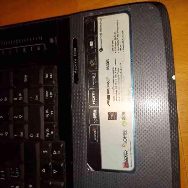 Obří notebook Acer  - foto 4