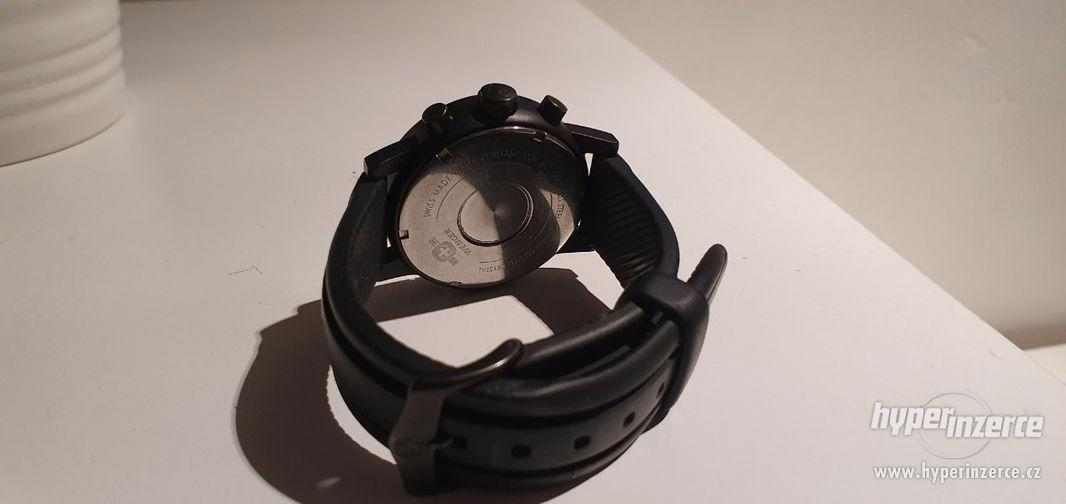 Hodinky Wenger Commando chrono PRC 70893