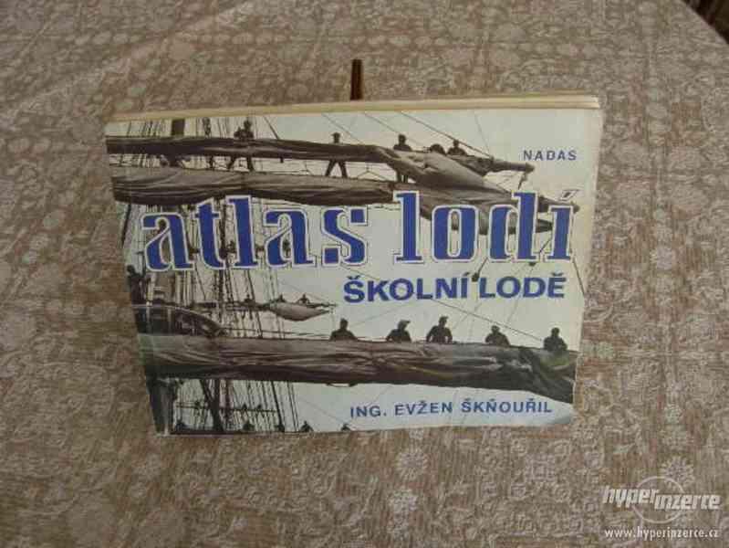 Atlqas lodí - školní lodě
