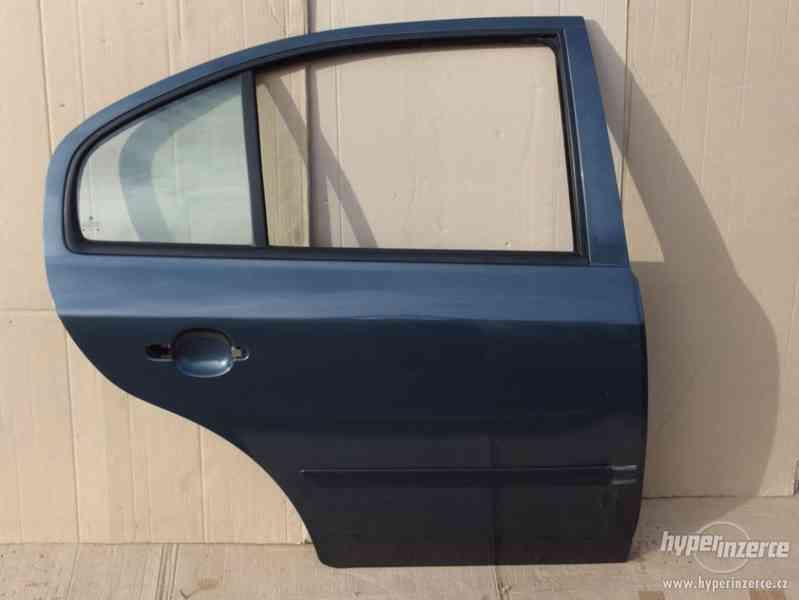 Pravé zadní dveře Škoda Octavia I hatchback - foto 2
