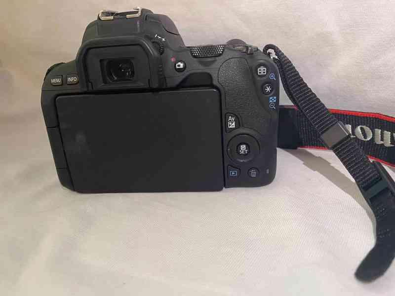 Prodám Canon EOS 200D - foto 2