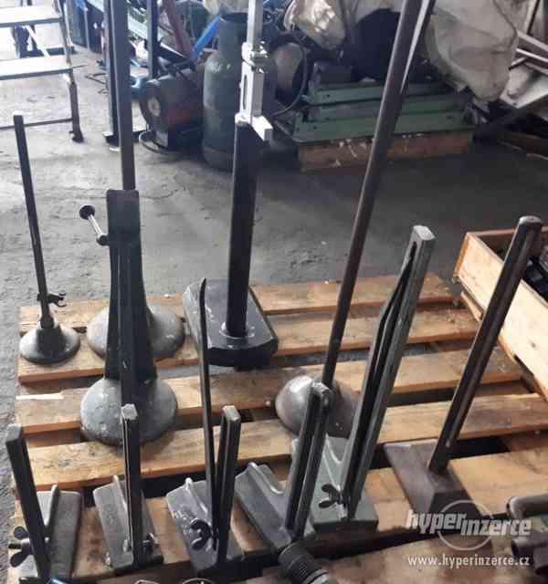 Na prodej stojanové rýsovadla-stojánkové nádrhy-výškoměry - foto 1