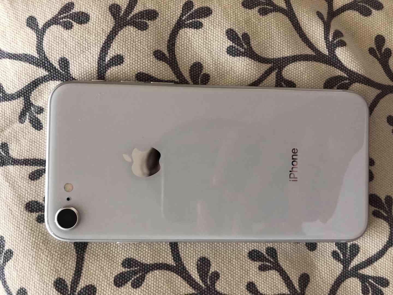 iphone 8, 64gb - foto 1