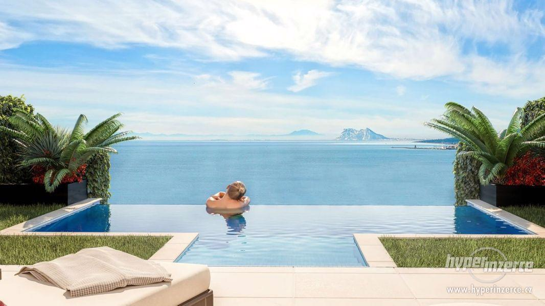 Nové ohromující moderní domy s nádherným výhled na moře