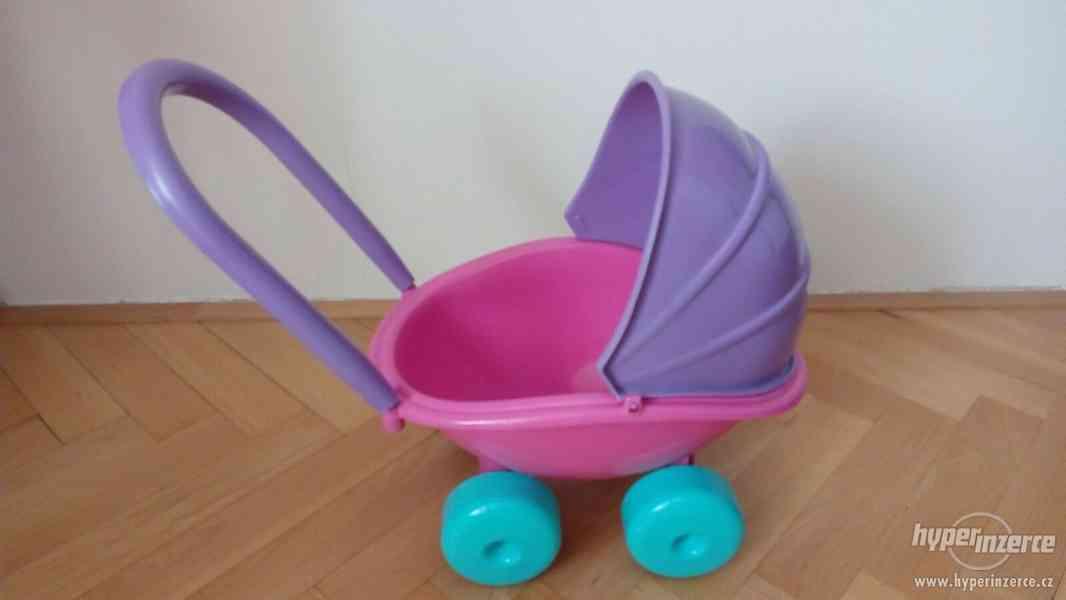 Dětský plastový kočárek pro panenky - foto 2