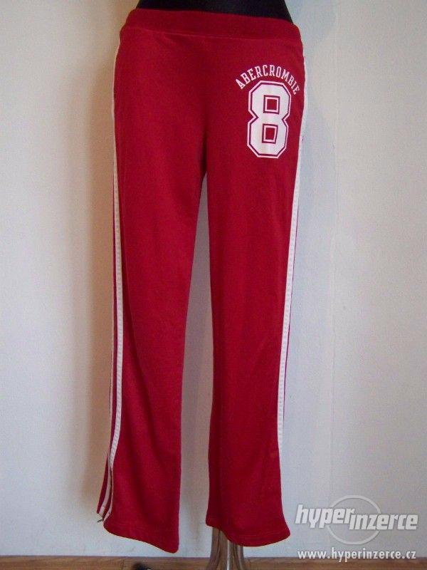 Tepláky,bundy - Dámské sportovní oblečení z USA