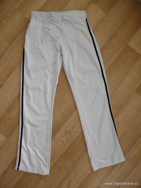 Tepláky,bundy - Dámské sportovní oblečení z USA - foto 2