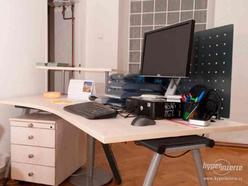 Recepční stůl v perfektním stavu + další kancelářský nábytek - foto 3