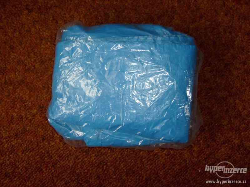 Modrá igelitová zástěra 110 x 70 cm 50 kusů. Vhodná na malov - foto 2