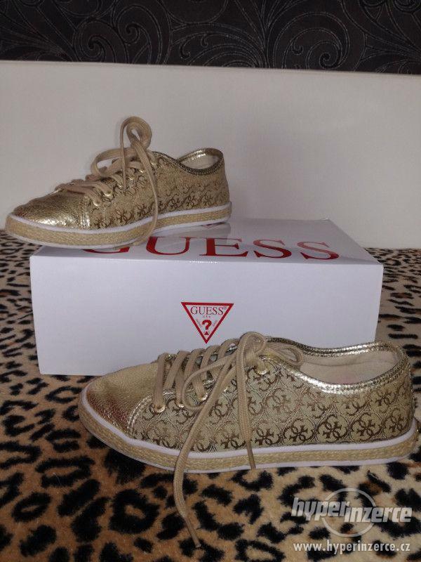 Zlaté Guess boty