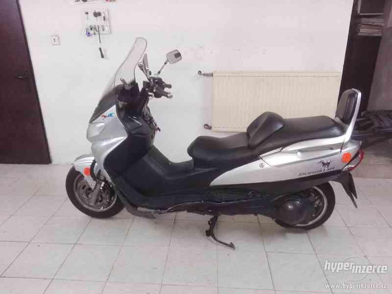 Suzuki Burgman 250  98
