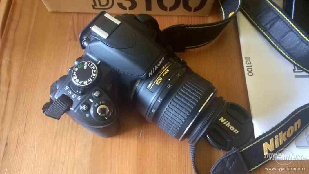 Zrcadlovka Nikon D3100 + brašna + stativ