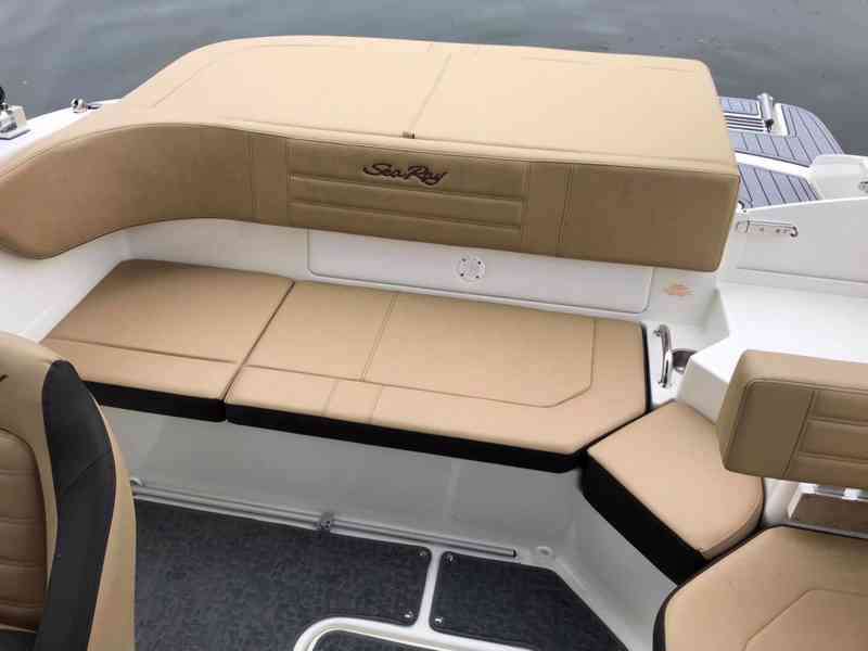Pronájem sportovního luxusního člunu Sea Ray SPX 190 OB - foto 2