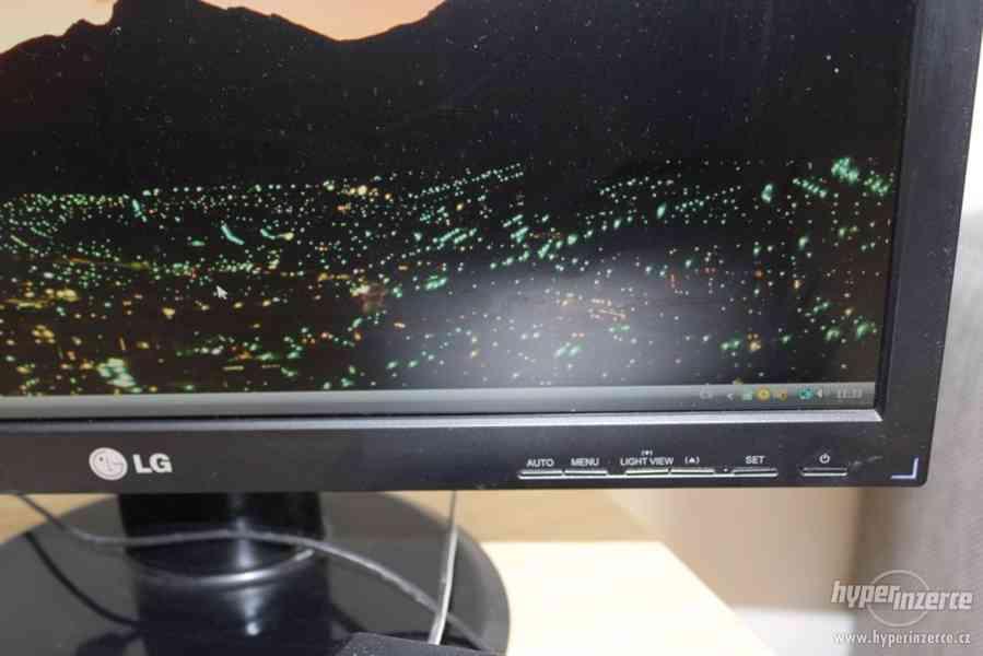 """Stolní PC sestava - počítač, 22"""" monitor - foto 2"""