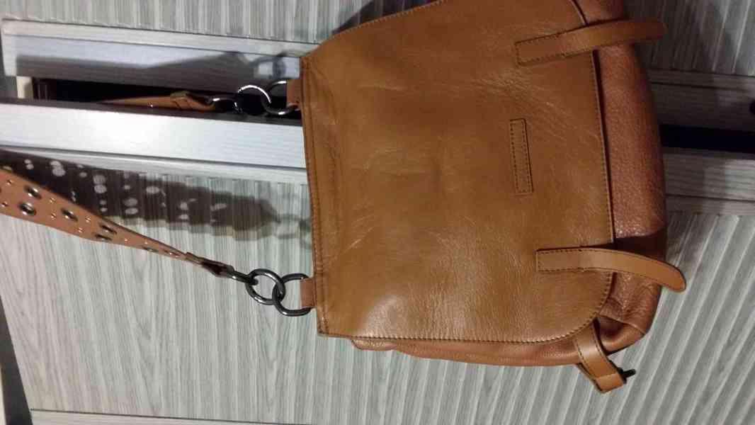 levně, značkové, používané  v  dobrém stavu dámské kabelky - foto 4