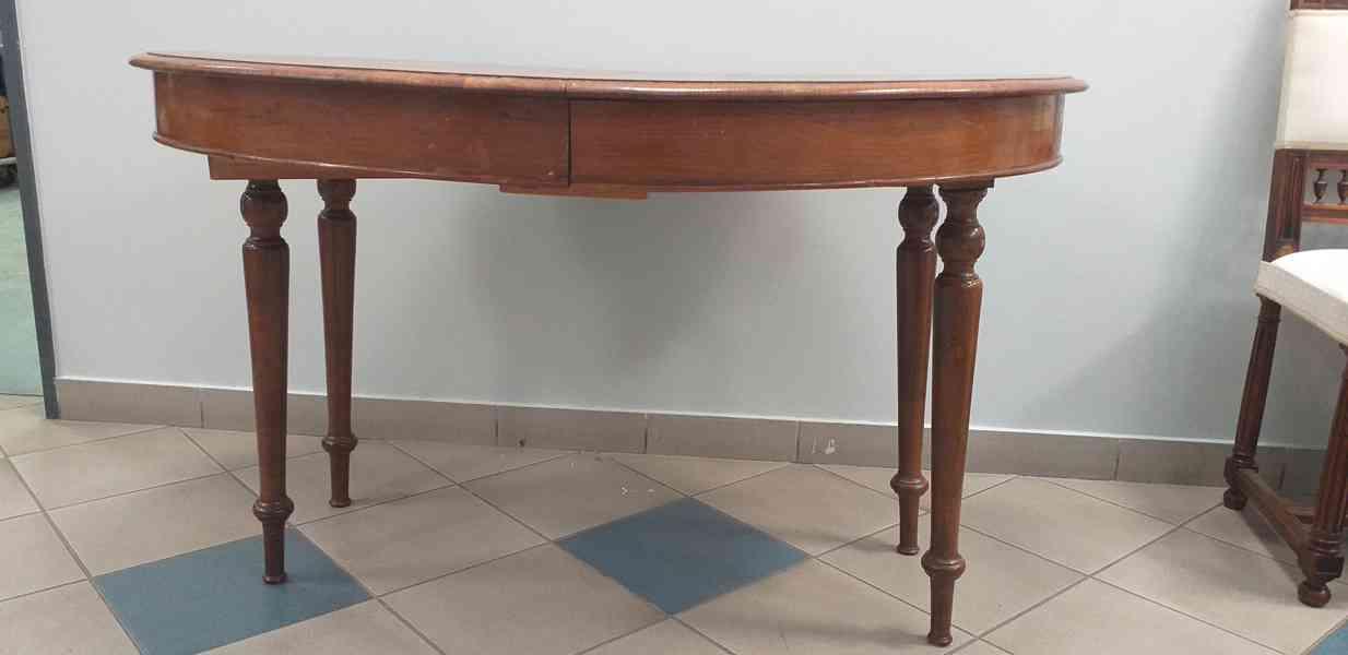 Starožitný jídelní stůl skládací
