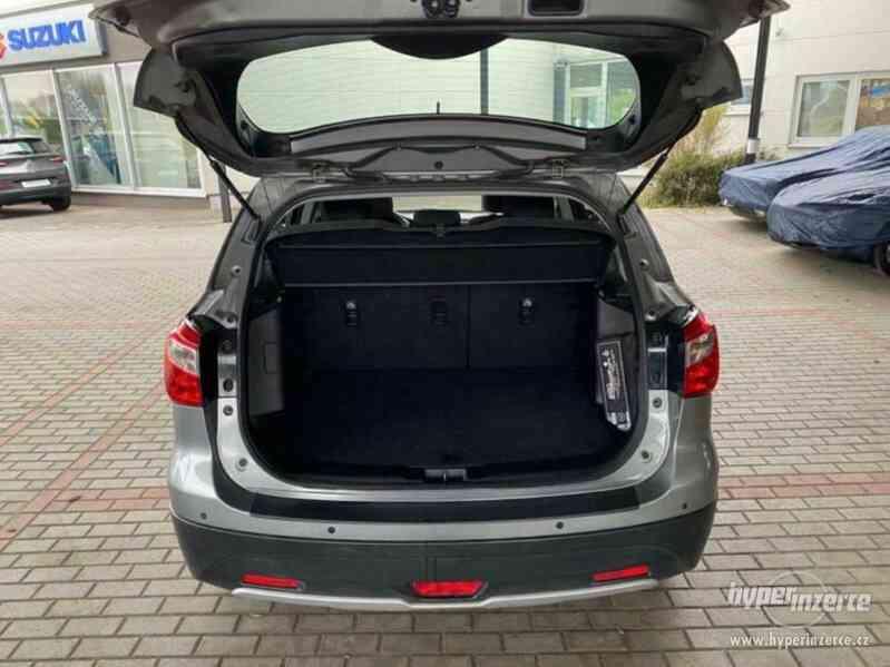 Suzuki SX4 S-Cross Comfort 4x4 1,6VVT benzín 88kw - foto 18