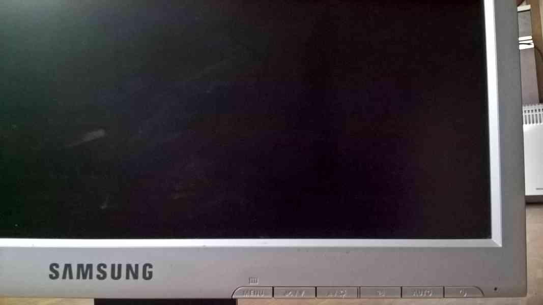 "Monitor SAMSUNG 17"" - foto 4"