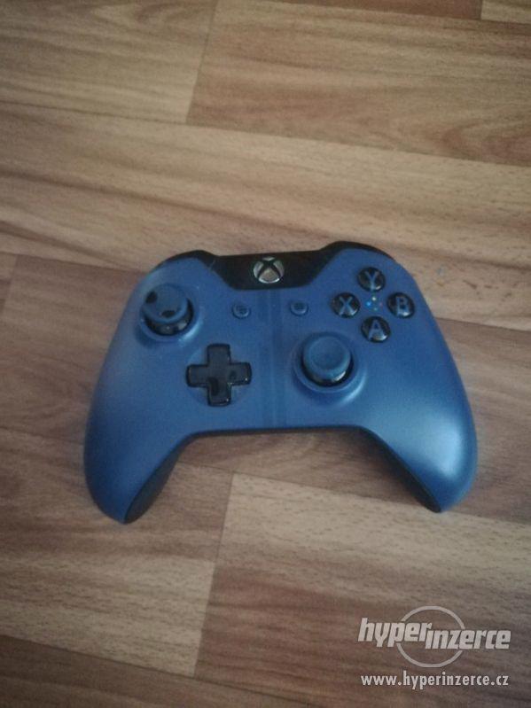 Xbox one 1TB Forza Limited Edition + NHL 17 - foto 4