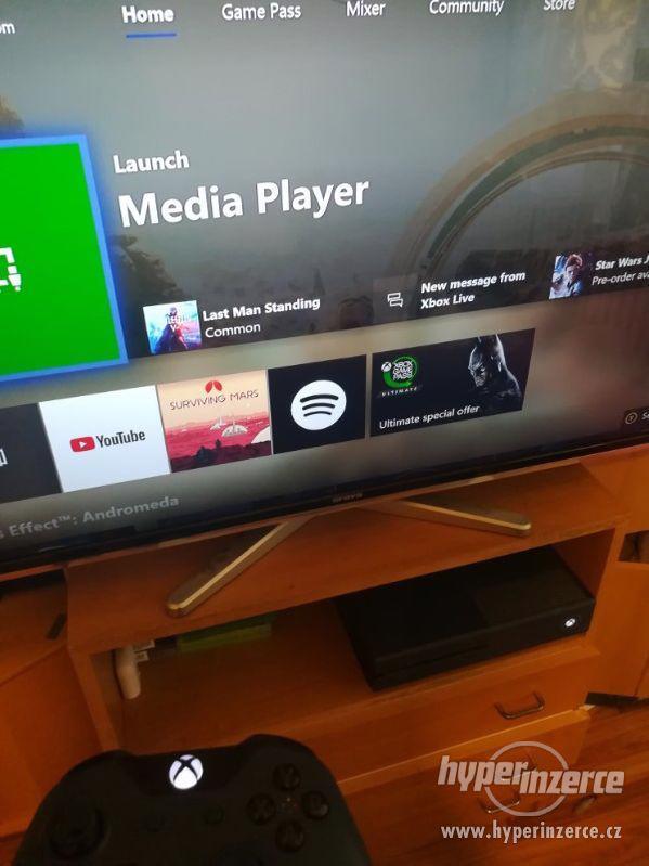 Xbox one 1TB Forza Limited Edition + NHL 17 - foto 5