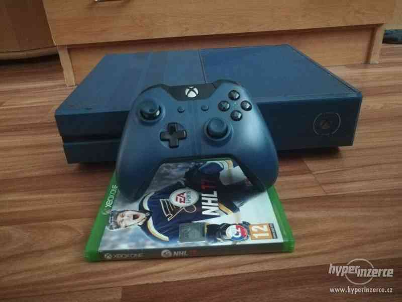Xbox one 1TB Forza Limited Edition + NHL 17
