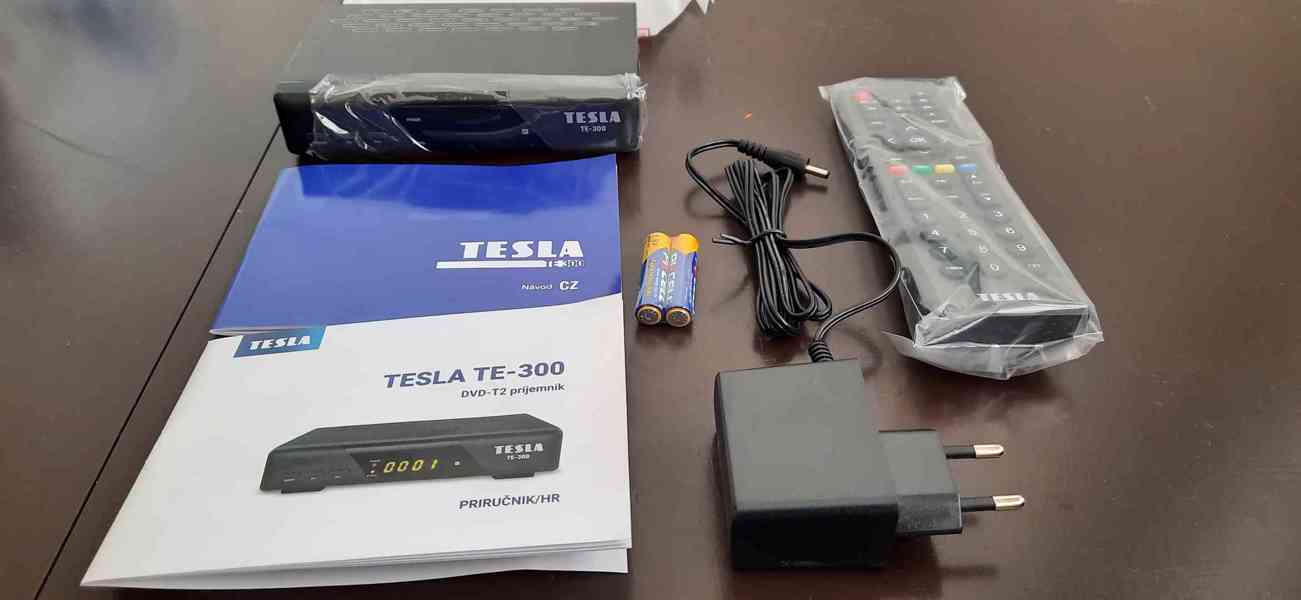 Použitá LG LCD TV 65cm + Set top box Tesla TE - 300 - foto 3