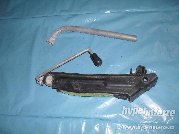 originál hever, klíč na škoda octavia - foto 1
