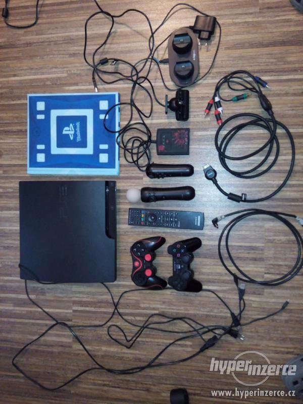 Sony Playstation 3 slim. 300GB + Bohaté příslušenství a Hry