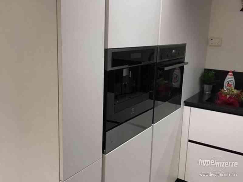 Luxusní nová kuchyň - foto 3
