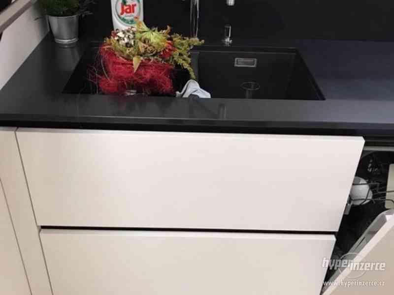 Luxusní nová kuchyň - foto 8