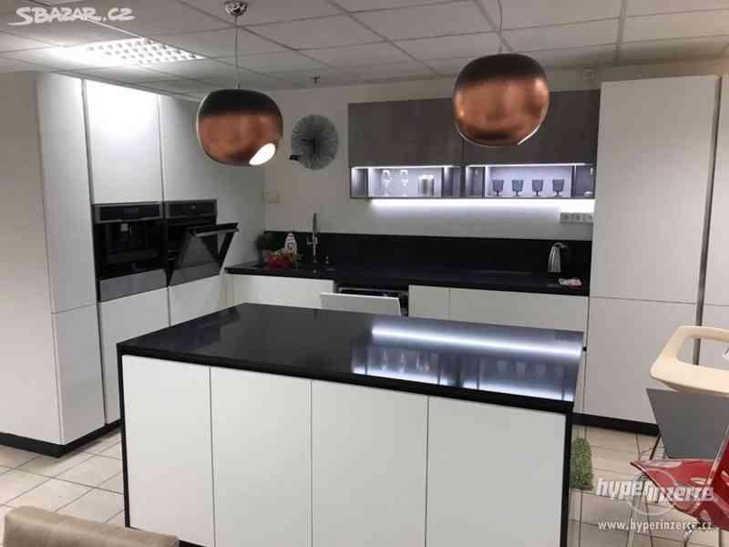 Luxusní nová kuchyň - foto 11