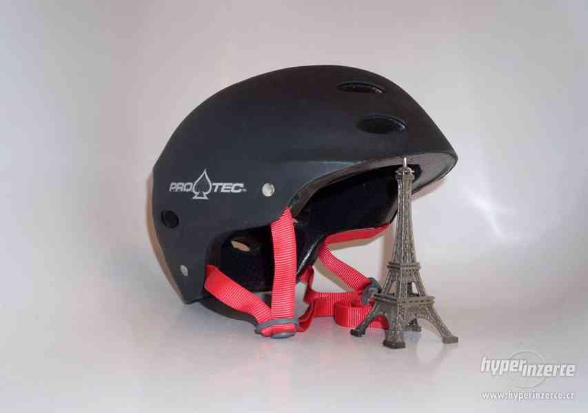 Freestyle přilba M helma na skateboard vel. 55-56cm Protec.