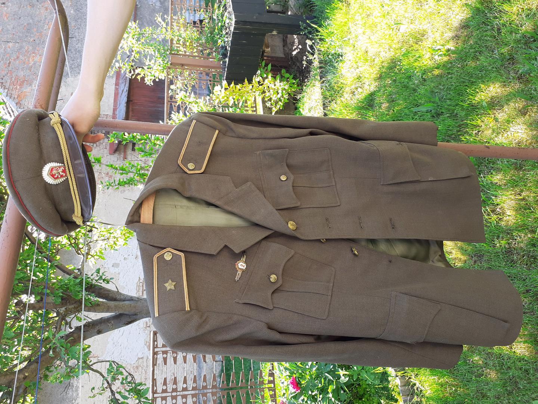 Vojenské uniformy - foto 1