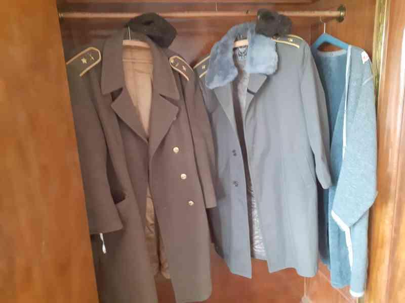 Vojenské uniformy - foto 5