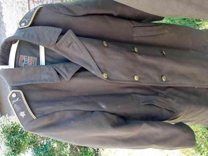 Vojenské uniformy - foto 3