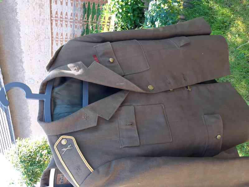 Vojenské uniformy - foto 2