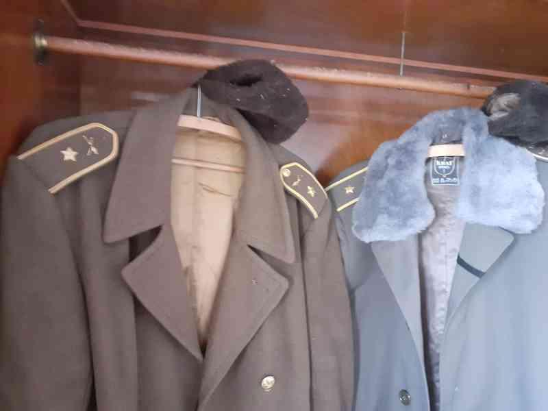 Vojenské uniformy - foto 4