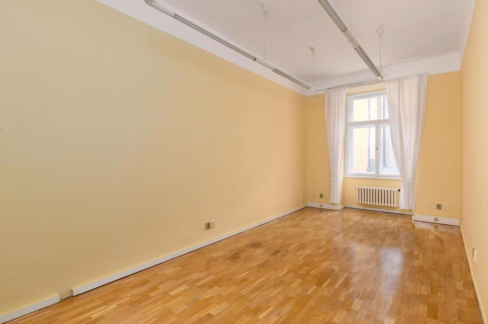 Nájem kanceláří 72,6 m2, Malá Štěpánská, Praha 2 Nové Město - foto 1