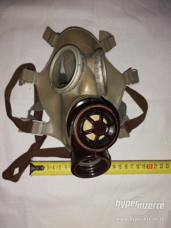 Vojenská plynová maska - zn. 4 69