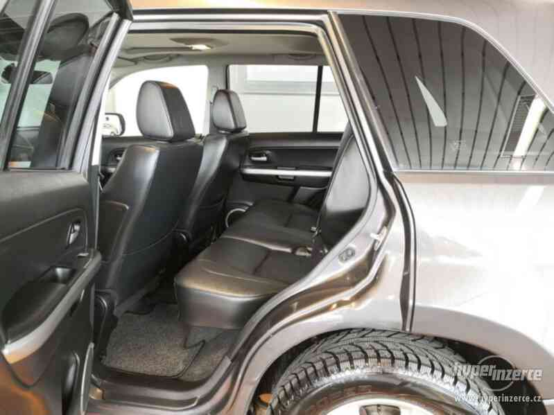 Suzuki Grand Vitara 2.4 Comfort Aut. benzín 124kw - foto 15