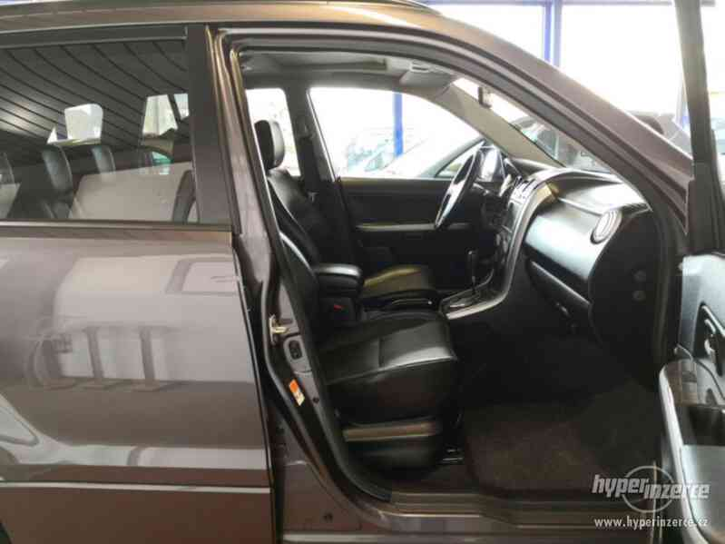 Suzuki Grand Vitara 2.4 Comfort Aut. benzín 124kw - foto 16