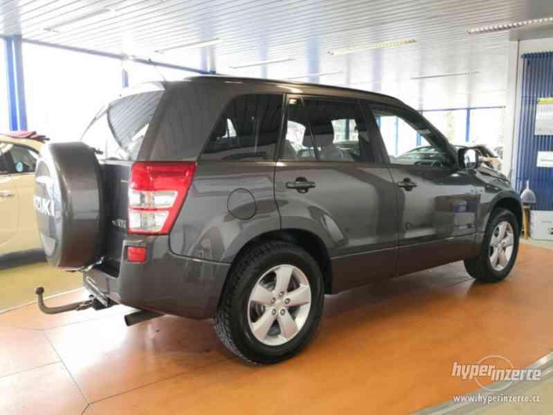 Suzuki Grand Vitara 2.4 Comfort Aut. benzín 124kw - foto 17