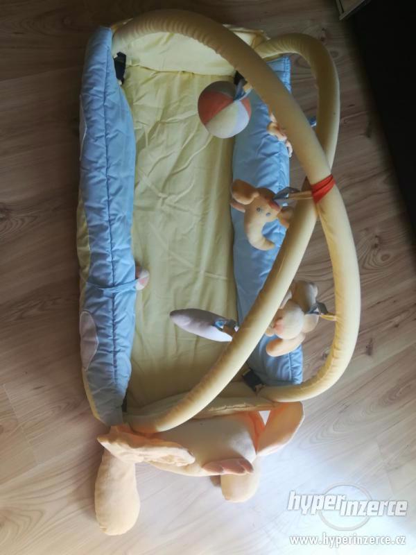 Dětská hrací deka s hrazdičkou Mata KOJEC - foto 3
