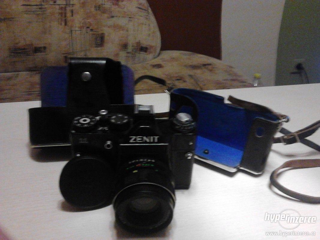 Prodám Zenit 11 i s pouzdrem - foto 1