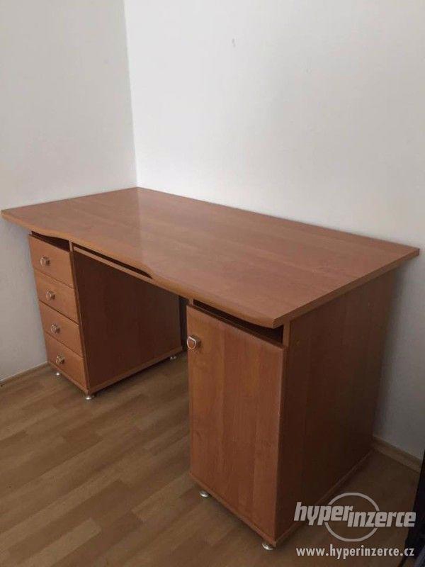 Psací stůl, vzhled dřevo, 4 zásuvky, 1 skříňka