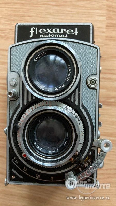 Starý fotoaparát Flexaret VII
